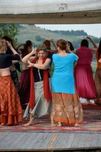 danze durante la festa nomade