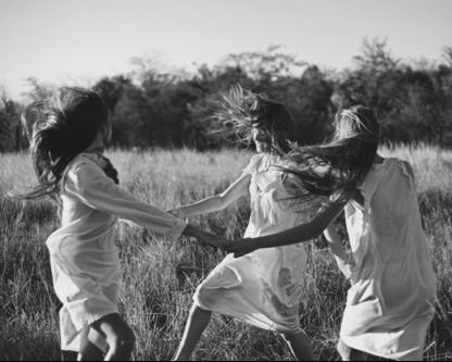 donne ballano