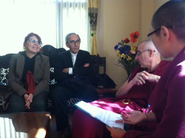 Syusy e Franco in Nepal a colloquio coi monaci