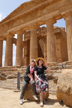 Syusy e Zoe ad Agrigento, in Sicilia